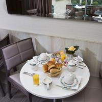 Hotel Longchamp Elysees Breakfast Area