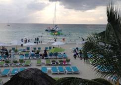 珊瑚海洋花園度假酒店 - 尼格瑞爾 - 海灘