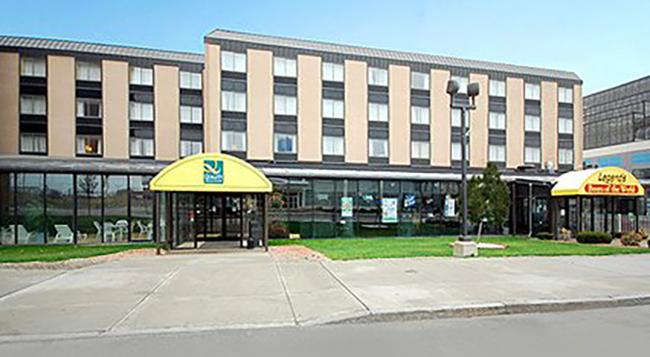 Quality Hotel & Suites At The Falls - 尼亞加拉瀑布 - 建築