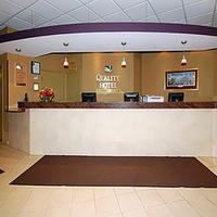 Quality Hotel & Suites At The Falls Reception