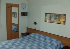 Hotel Niagara Rimini - 里米尼 - 臥室