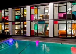 韋貝酒店 - 波士頓 - 游泳池