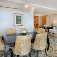The Ritz-Carlton Dubai International Financial Centre Living Area