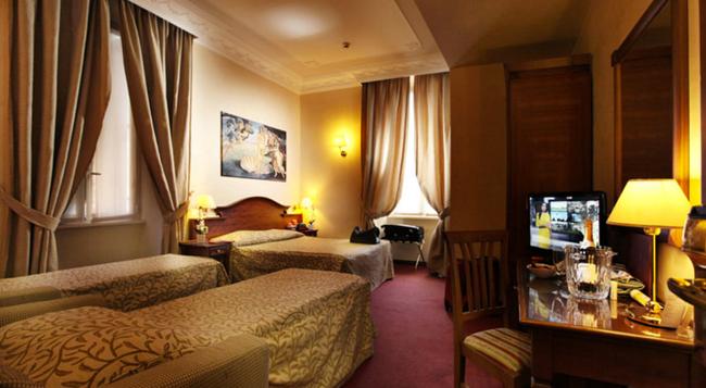 Hotel Solis - 羅馬 - 臥室