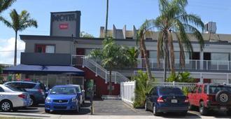 韋西斯比斯坎汽車旅館 - 邁阿密 - 建築