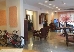 梅莫里酒店 - 里米尼 - 大廳