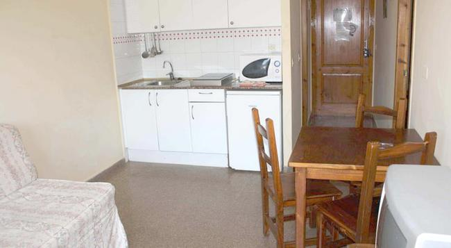 Aparthotel Las Mariposas - 羅列特海岸 - 臥室
