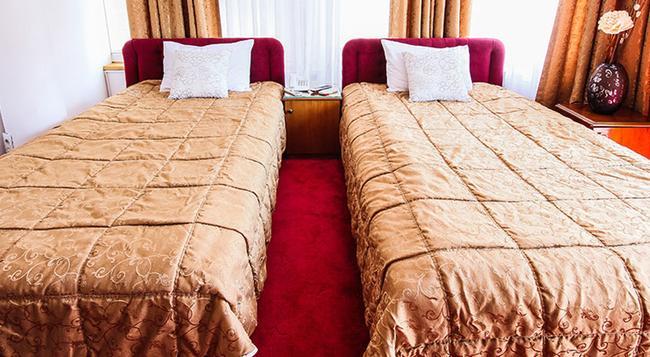 Hotel Victoria - 斯科普里 - 臥室