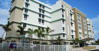 邁阿密市中心醫學中心春季山丘套房飯店 - 邁阿密 - 建築