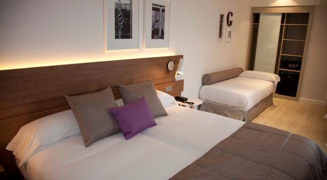 Hotel Gelmírez - 聖地亞哥-德孔波斯特拉 - 臥室