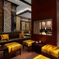 Hotel Adlon Kempinski Sra Bua Bar