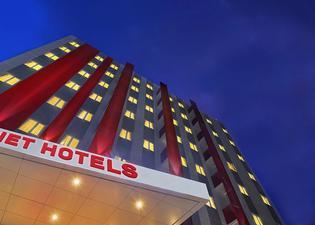 北乾巴魯紅色星球酒店