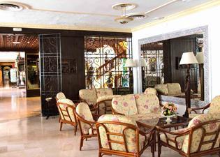 雷伊卡洛斯酒店
