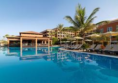 H10阿德赫海岸皇宮酒店 - 阿德耶 - 游泳池