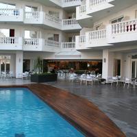 Hotel Bernat II Pool