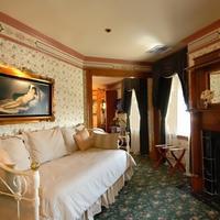 Dorymans Oceanfront Inn Guestroom
