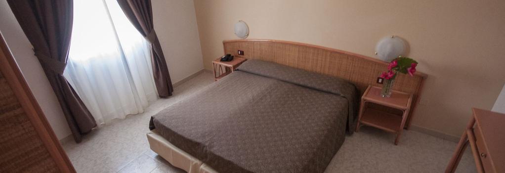 Rina Hotel - 阿爾蓋羅 - 臥室
