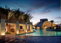 坎昆拉斯維加斯鑽石度假公寓式酒店 - 拉斯維加斯 - 游泳池