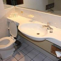Hotel on St Georges Bathroom