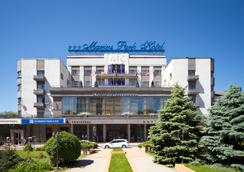 馬林斯公園酒店 - Rostov on Don - 室外景