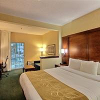 Comfort Suites Appleton Airport King Bed Room