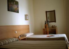Hotel Kristal - Torremolinos - 臥室