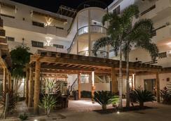 Santa Fe Luxury Residences - 洛雷托 - 餐廳