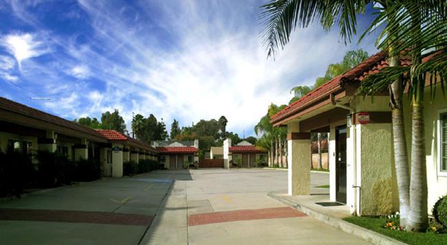 Hyland Motel - 布雷亞 - 建築