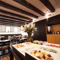 Dikker And Thijs Fenice Hotel Breakfast Area