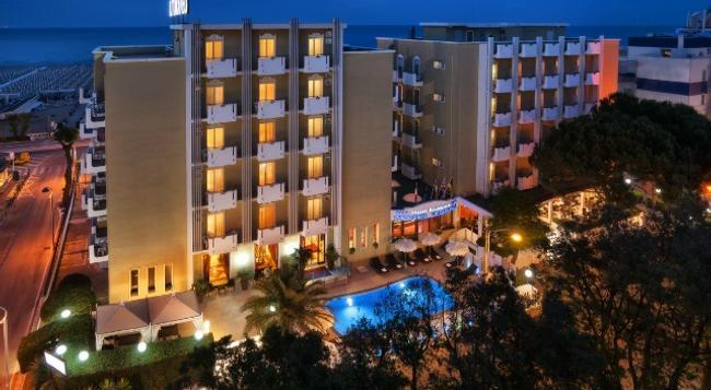 Hotel Litoraneo - 里米尼 - 建築