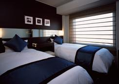 新宿王子大酒店 - 東京 - 臥室