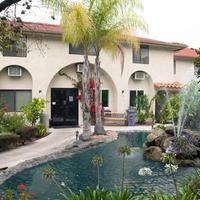California Suites Hotel Property Grounds