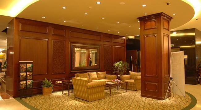 Hotel Sarina - 達卡 - 休閒室