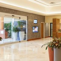 Courtyard by Marriott Isla Verde Beach Resort Lobby