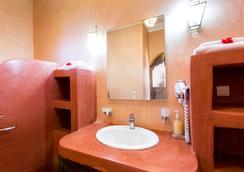 杜爾酒莊旅館 - 馬拉喀什 - 浴室