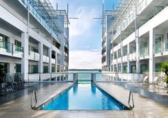 奧克蘭希爾頓酒店 - 奧克蘭 - 游泳池