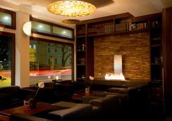 弗萊明法蘭克福美茵河畔豪華酒店 - 法蘭克福 - 大廳