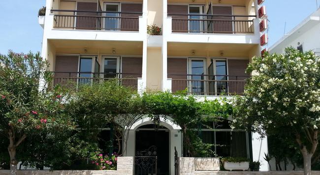 Karis Hotel - 科斯鎮 - 建築