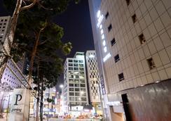 明洞新東方酒店 - 首爾 - 建築