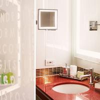 Grafton On Sunset Bathroom