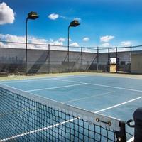 Le Montrose Suite Hotel Tennis Court