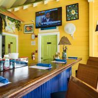 Sunshine Suites Resort Bar/Lounge
