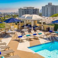 Le Montrose Suite Hotel Pool