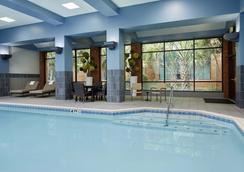 達拉斯沃斯堡機場南萬豪酒店 - 沃思堡 - 游泳池
