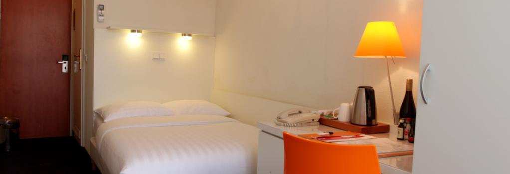 Hotel Multatuli - 阿姆斯特丹 - 臥室