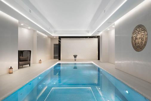 倫敦科技城蒙卡爾姆肖爾迪奇M酒店 - 倫敦 - 游泳池