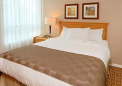 蘭蒂斯套房酒店 - 溫哥華 - 臥室