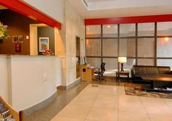 蘭蒂斯套房酒店 - 溫哥華 - 大廳