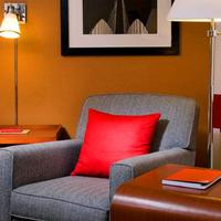 Four Points by Sheraton New York Downtown Living Area