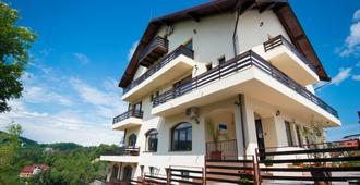 盆蘇尼托斯卡納旅館 - Brasov - 建築